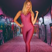 Para cada mujer que ama sentirse única 🍎🍒💋 @curvaslatina es tu mejor opción 😍😍😍 #curvaslatinabrand #curvaslatinasportswear #fitness #fitness #fitwoman #fitnessgoals #fitspo #fitwomen #powerfitness #fashionfitness #fashionfit #fitfam #holmesplace #fitnessfashion #fitnessgram #womanpower #curvaslatina @curvaslatina