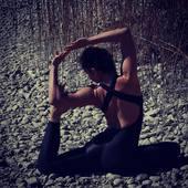 Combinaison de sport Pantera Noir by Curvas Latina . 🌟🌟🙏🙏🙏  Vous ne passerez pas inaperçue avec notre élégante combinaison Pantera ! Parfaite pour toutes celles qui veulent casser les codes et afficher leurs courbes, elle vous apporte puissance et confiance afin de vous surpasser lors de vos exercices. Totalement opaque et extensible, vous n'aurez jamais à vous soucier des problèmes de transparence ou de confort !   #yogainspiration #yogaposeseverywhere #yogamoms #yogamovement #yogamorning #yogawoman #yogafitness #yogaover40 #yogalove #yogaprogress #yogamoms #yogawomen #curvaslatina #curvaslatinabrand #curvaslatinasportswear @curvaslatina
